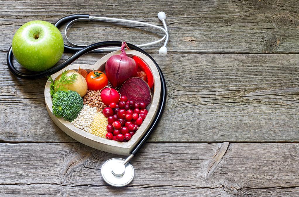 Χοληστερόλη: Πόσο να την «ρίξετε» για να γλυτώσετε έμφραγμα και εγκεφαλικό επεισόδιο