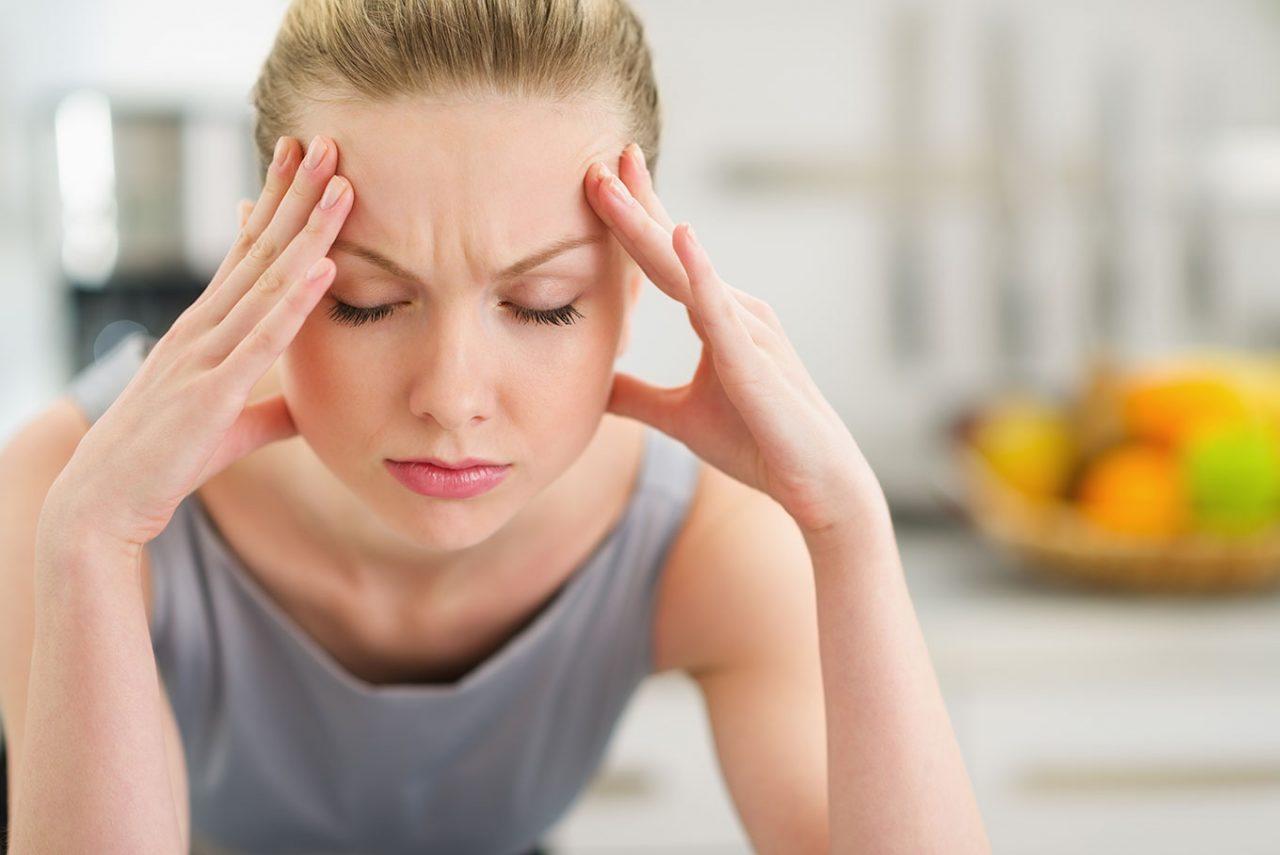 Ημικρανίες: Η μέθοδος που μειώνει στο μισό τα συμπτώματα
