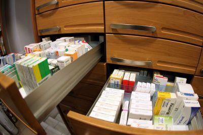 Φαρμακοποιοί: Πρώτα επάρκεια σε φάρμακα και μετά στοκ γενοσήμων
