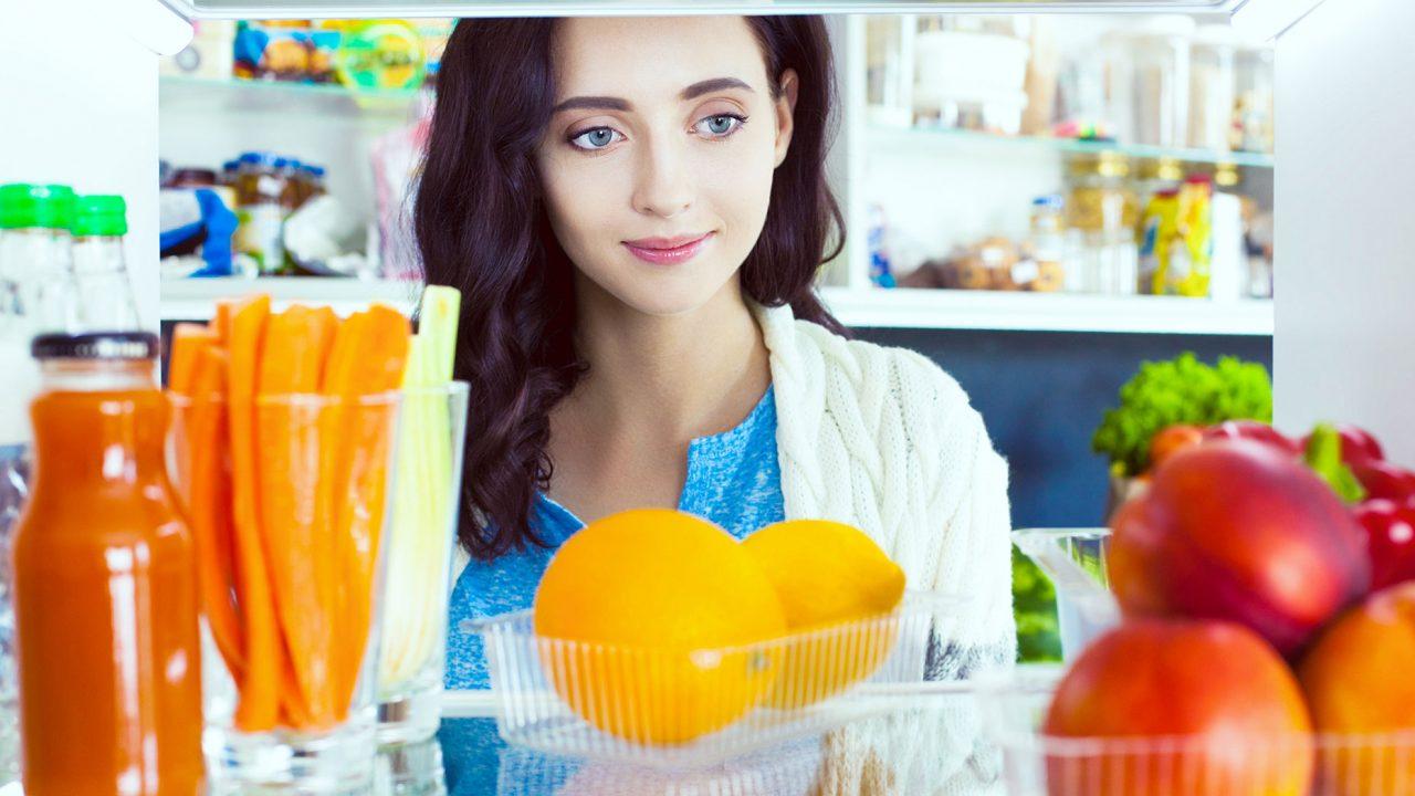Μακροζωία: «Μετράνε» πιο πολύ οι λιγότεροι υδατάνθρακες ή τα λιπαρά;