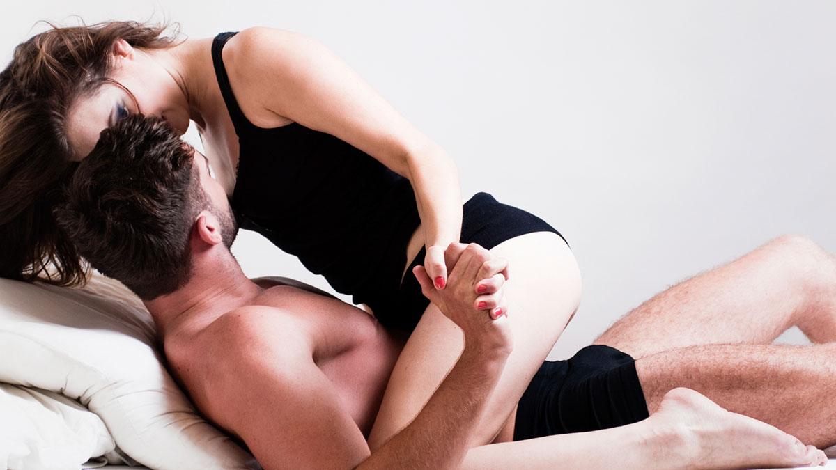 Κορωνοϊός: Πόσο επικίνδυνο είναι το σεξ για τη μετάδοσή του