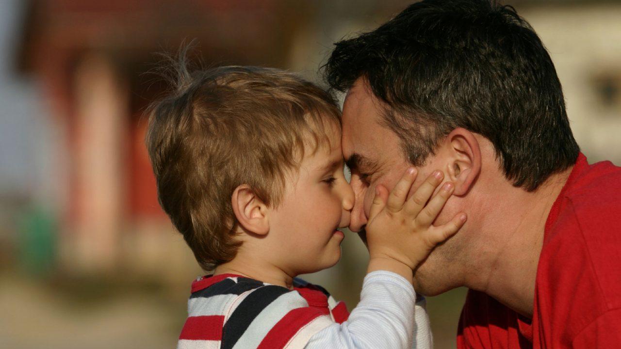 Ο τύπος της οικογένειας δεν επηρεάζει την ευτυχία του παιδιού
