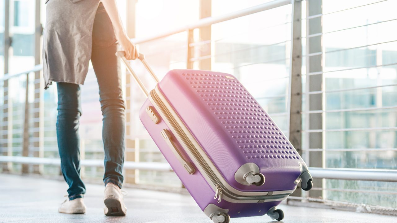 Ταξίδι στο εξωτερικό: Ποιο ασφαλιστικό συμβόλαιο συμφέρει να επιλέξετε