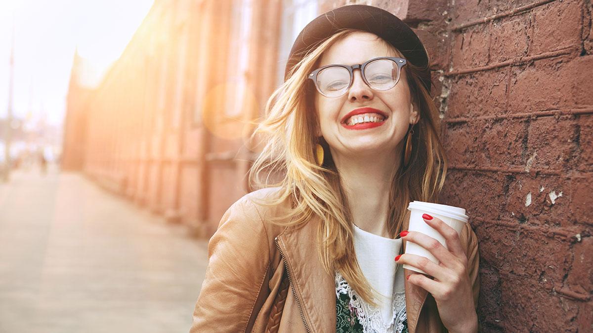 Ο καφές μας τονώνει και χωρίς να τον πιούμε