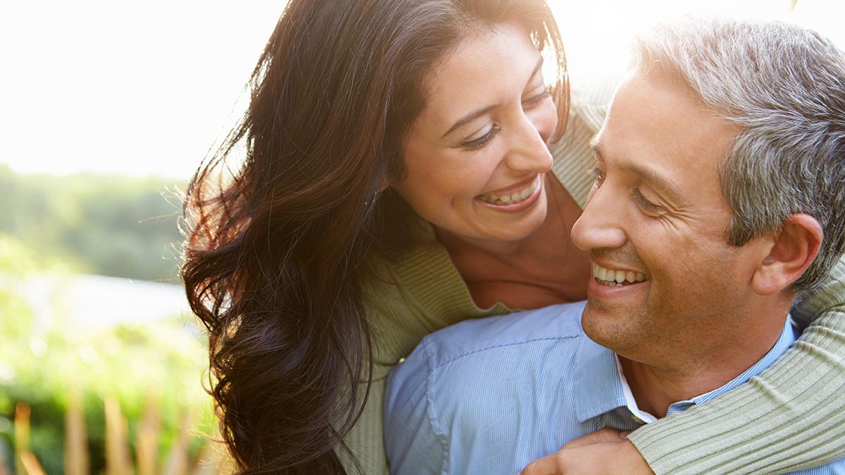 μάτια που πιάνουν φράσεις για dating Τι είναι ένα καλό πρώτο μήνυμα σε απευθείας σύνδεση dating
