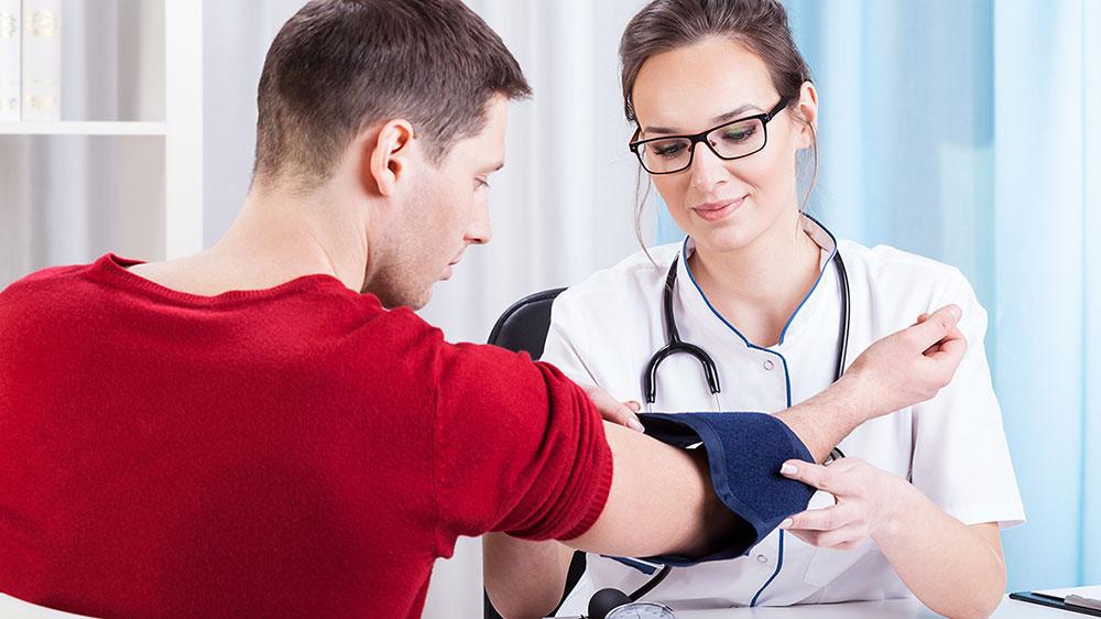 Αρτηριακή Πίεση: Επτά αποτελεσματικοί τρόποι να τη ρυθμίσετε χωρίς φάρμακα