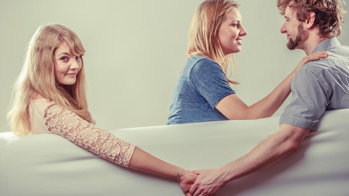 Αυτές είναι οι 4 νέες μορφές σχέσεων – Εσείς με πόσους έχετε δεσμό;
