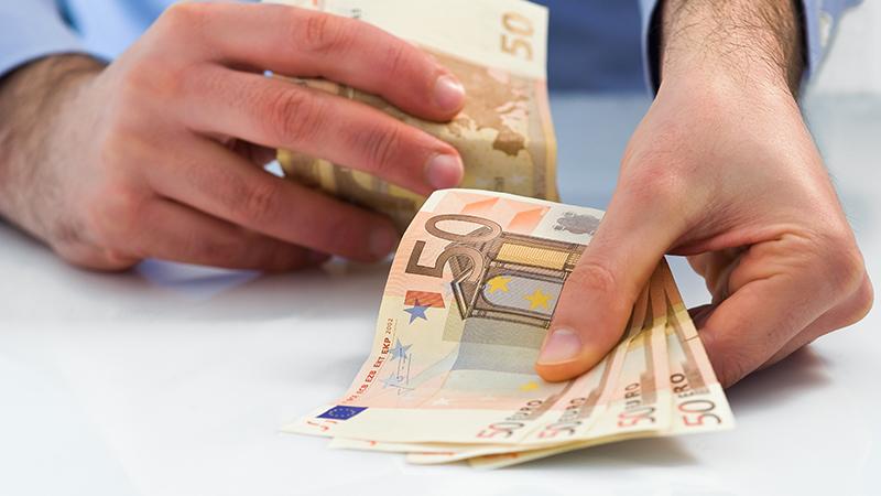 Αποταμιευτικό πρόγραμμα: Σε τι διαφέρει από τις τραπεζικές καταθέσεις και 3 λόγοι που συμφέρει