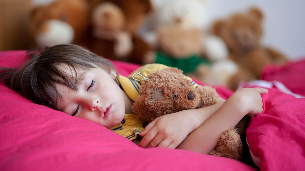 Μήπως το παιδί δεν κοιμάται όσο πρέπει; Ένα τεστ αίματος μπορεί να το διαπιστώσει