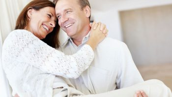 Έξι τρόποι για καλύτερο σεξ μετά τα 50