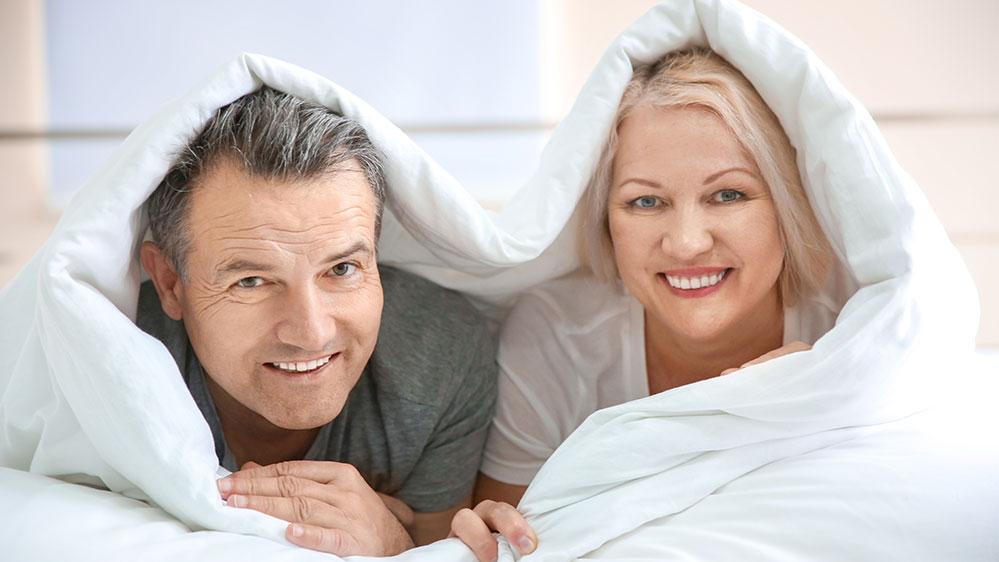 Οι δυο καίριοι παράγοντες που επηρεάζουν το σεξ στην εμμηνόπαυση