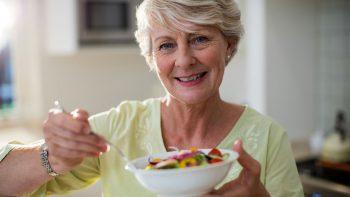 Αυτοί οι 60αρηδες έχουν υγιές πεπτικό σύστημα και πιο δυνατούς μύες