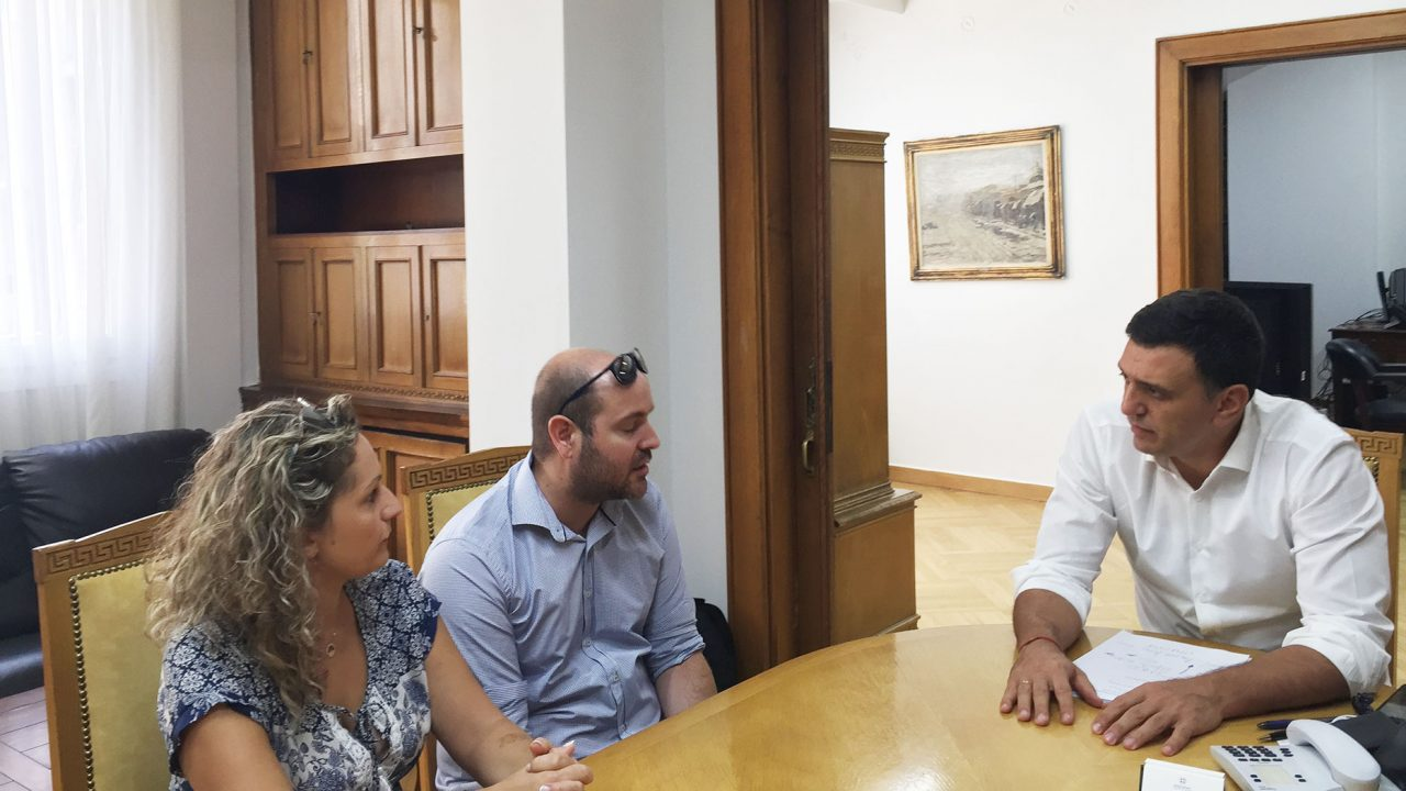 Με τους γονείς του Παναγιώτη Ραφαήλ Γλωσσιώτη συναντήθηκε ο Β. Κικίλιας
