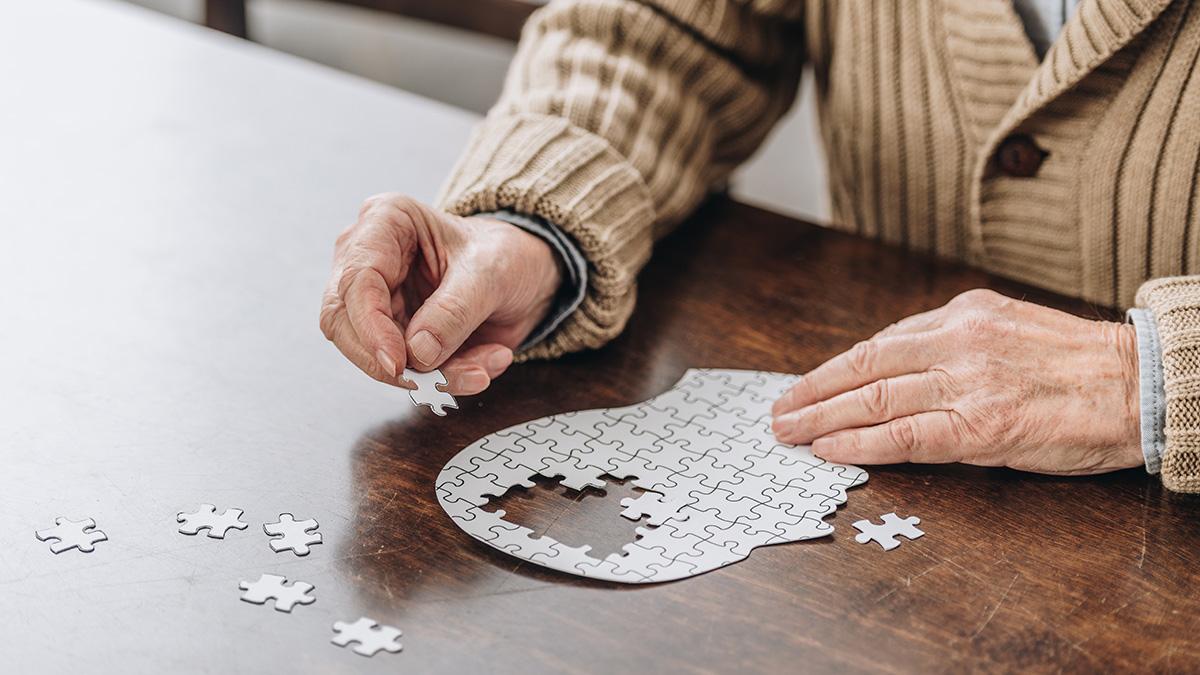 Νόσος Αλτσχάιμερ: Θέμα χρόνου η έγκριση του πρώτου φαρμάκου που τη θεραπεύει