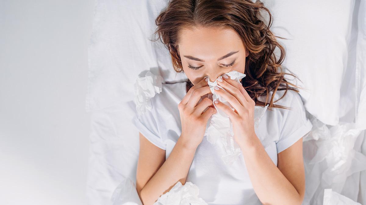 Κρυολογήσατε; Δείτε γιατί μπορείτε να ανησυχείτε λιγότερο για τον κορωνoϊό