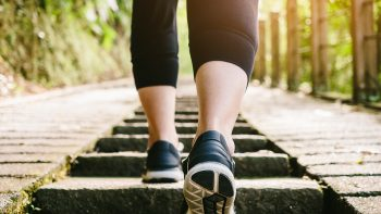 Δεν έχετε χρόνο για περπάτημα; Πέντε τρόποι να το βάλετε στη ζωή σας