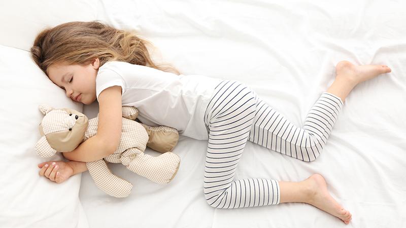 «Ώρα για ύπνο»: Μέχρι πότε πρέπει να το λέμε στο παιδί – Πολύ αργότερα από όσο νομίζετε