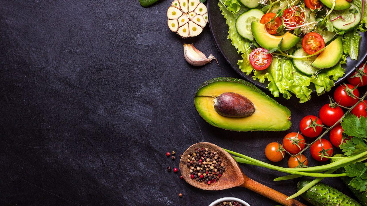 Το βουτυρένιο φρούτο που προστατεύει το έντερο και ρίχνει τη χοληστερόλη