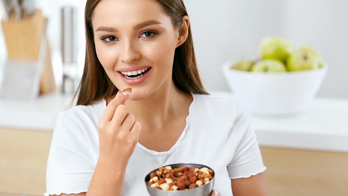 Ο αντιγηραντικός καρπός που ρυθμίζει χοληστερόλη και σάκχαρο