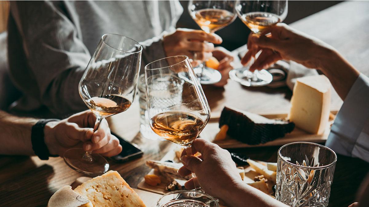 Αλκοόλ: Πόσα ποτά αυξάνουν τον κίνδυνο καρκίνου;