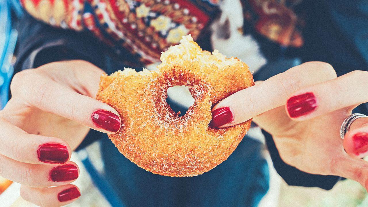 Η ζάχαρη μας «κλέβει» χρόνια ζωής – Και η αιτία δεν είναι η παχυσαρκία