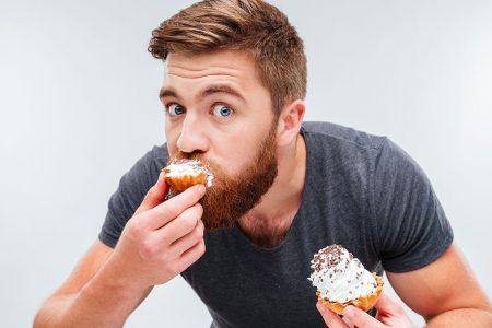 Τι να «κόψετε» για να μη σας προδώσει η καρδιά σας στα 50