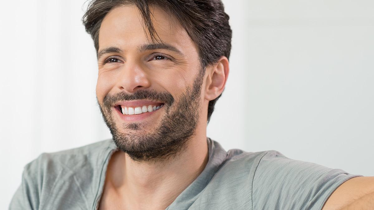 Οι τρεις λόγοι που οι άνδρες προτιμούν να κάνουν σχέσεις με μεγαλύτερες γυναίκες