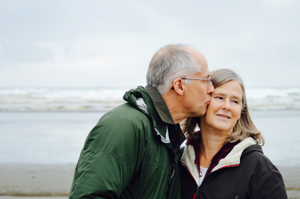 Σεξ μετά τα 60: Πέντε λόγοι που συνεχίζουμε ακόμα