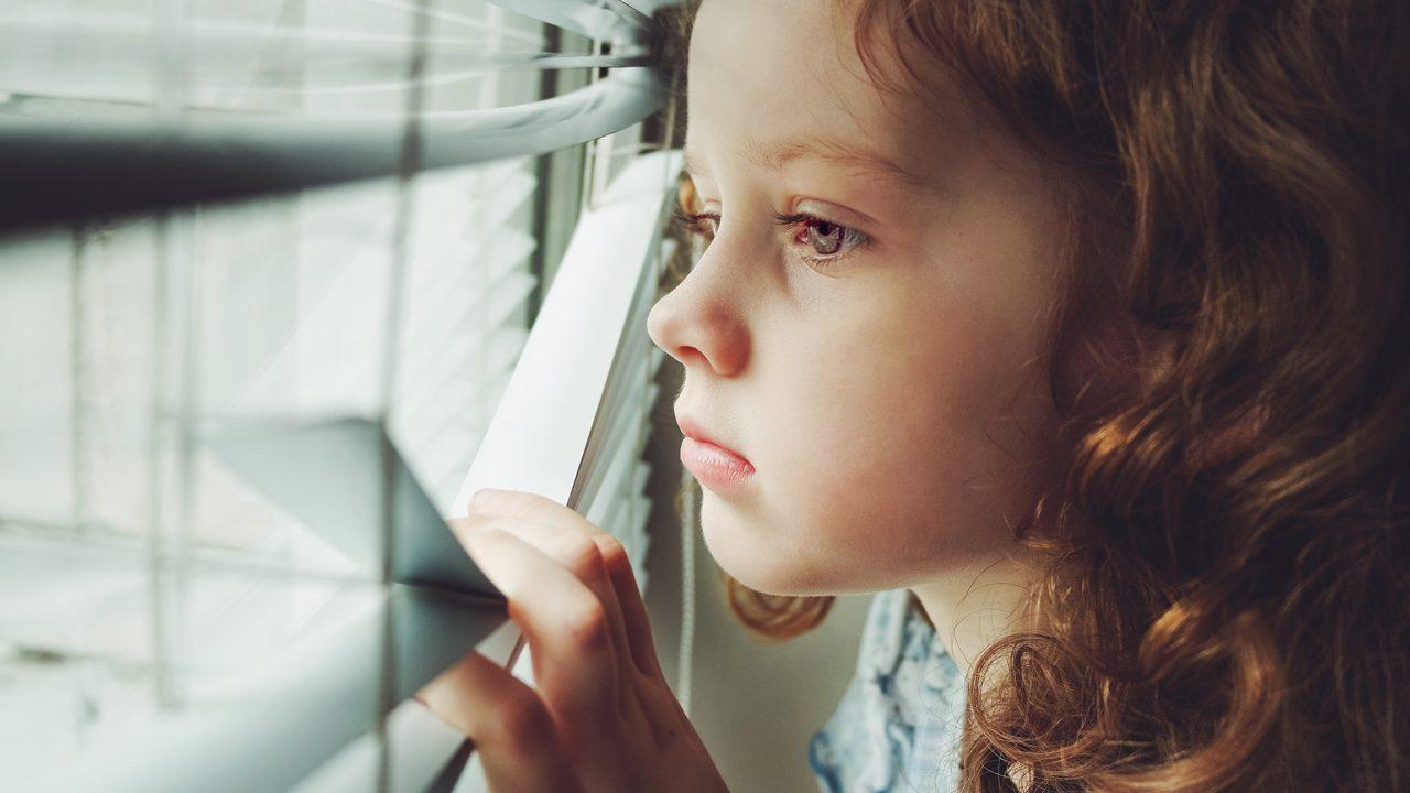 Το διπλό χτύπημα που απειλεί το μυαλό των παιδιών