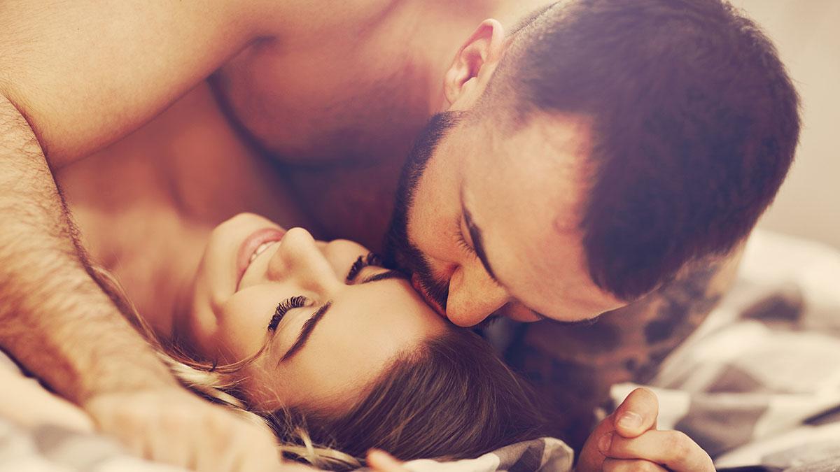 Σε σχέση κάνουμε λιγότερο σεξ – Και άλλες 5 αλήθειες για τη σεξουαλική μας ζωή