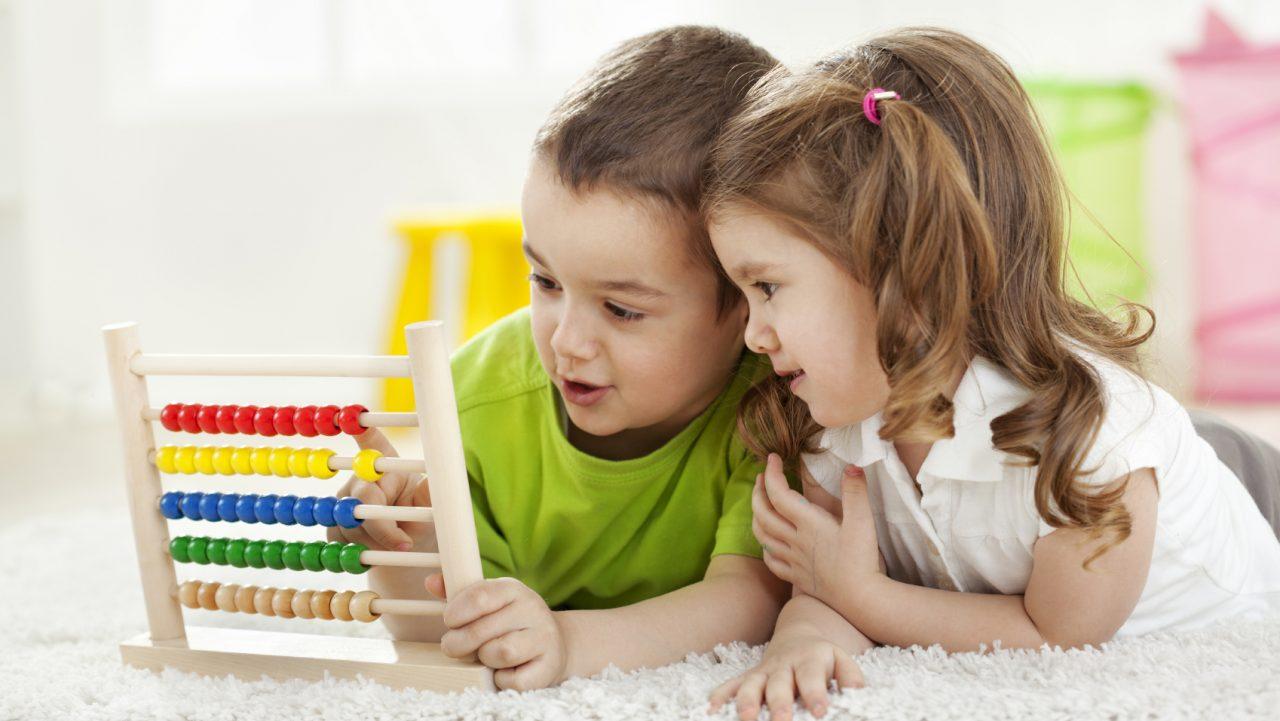 Γιατί το παιδί δεν μοιράζεται τα παιχνίδια του και πώς να το αντιμετωπίσετε