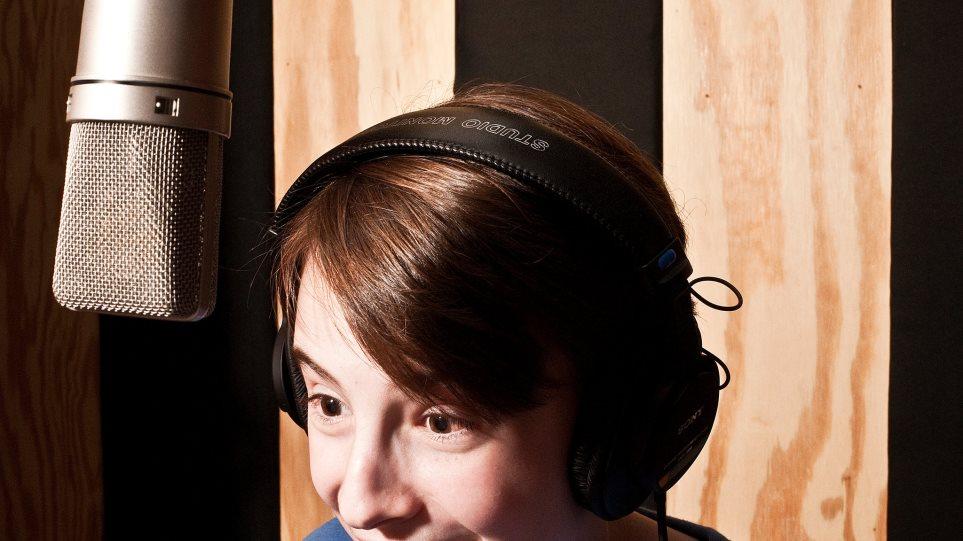 «Μένουμε σπίτι» και παιδιά: Πώς να φτιάξουν το δικό τους podcast!