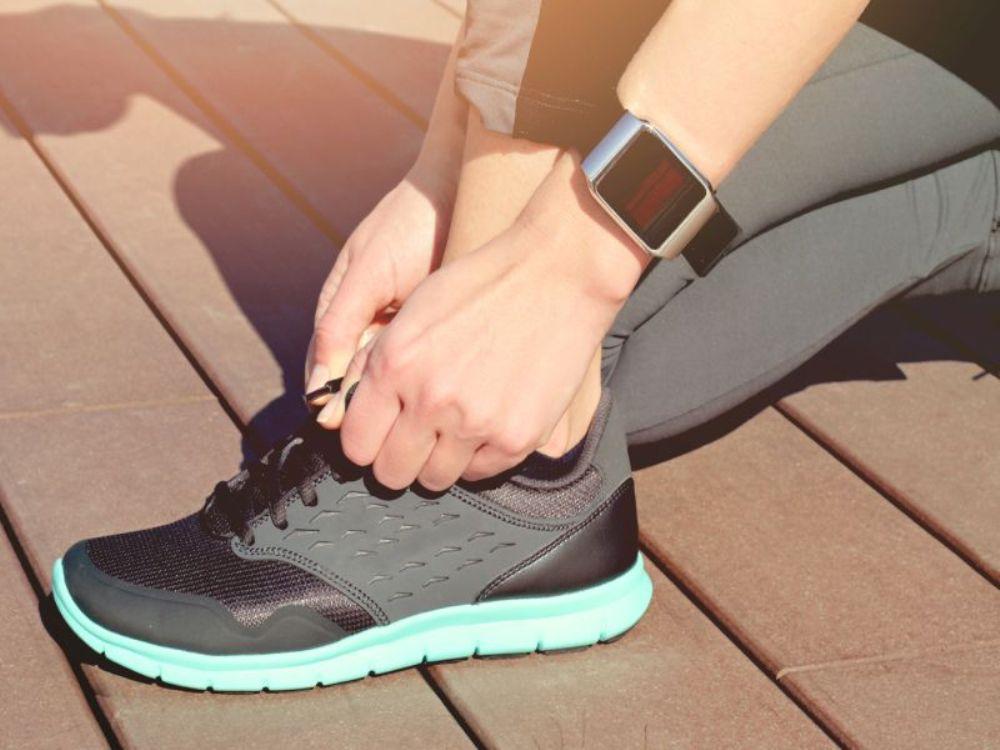 Κορωνοϊός – Διάγνωση: «Έξυπνο» ρολόι ανιχνεύει τη νόσο επτά ημέρες νωρίτερα