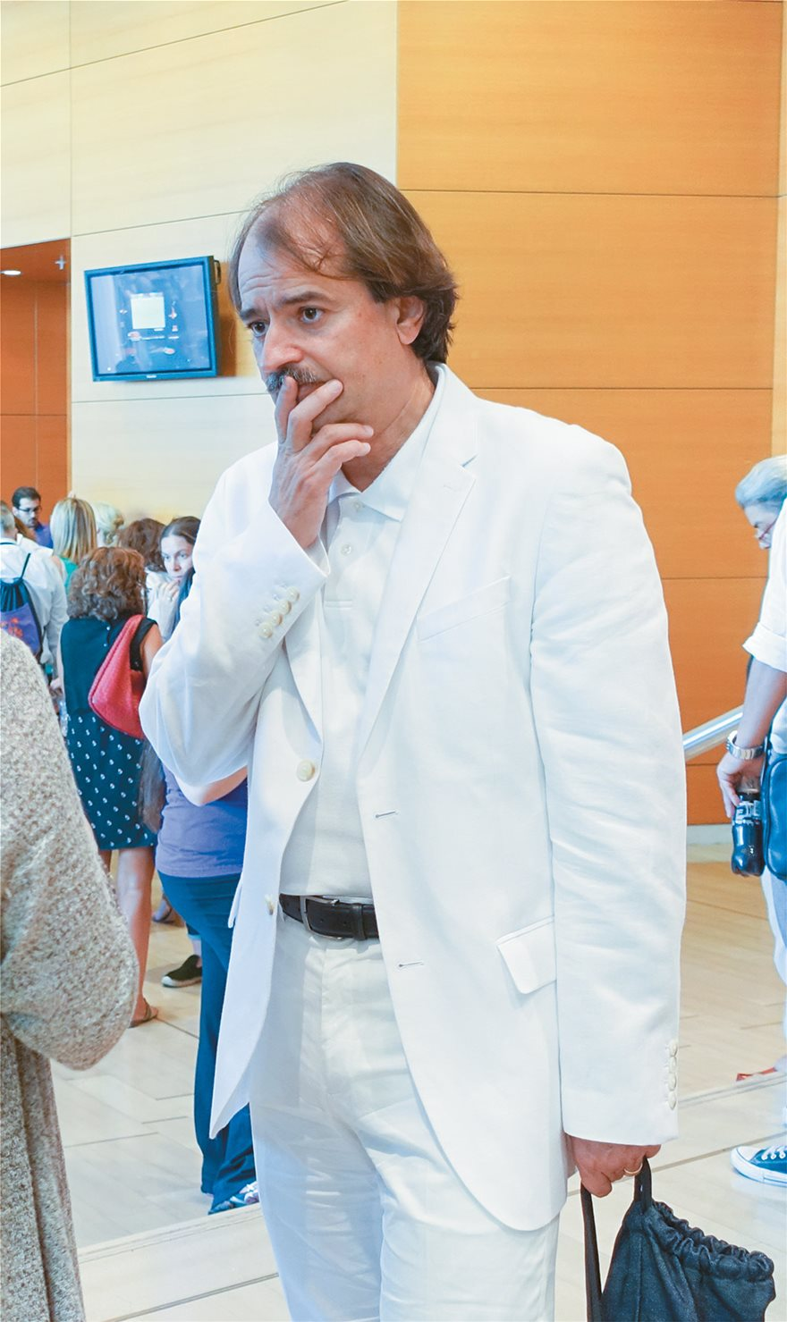 Dr Ιωάννης Ιωαννίδης για κορωνοϊό: Μετά από τόσους μήνες, δεν έχουμε καταλάβει πού βρισκόμαστε