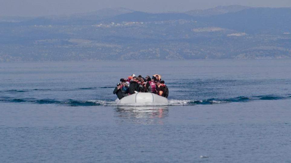 Τουρκία: Απειλεί να στείλει μετανάστες με κορωνοϊό στα νησιά – Ενίσχυση δυνάμεων στο Αιγαίο