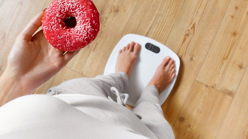 Κορωνοϊός: Παθήσεις που σχετίζονται με την παχυσαρκία επιδεινώνουν την πορεία της λοίμωξης