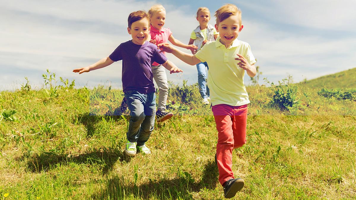 Πώς μπορούμε να προσφέρουμε ό,τι καλύτερο στα παιδιά σε κάθε ηλικία