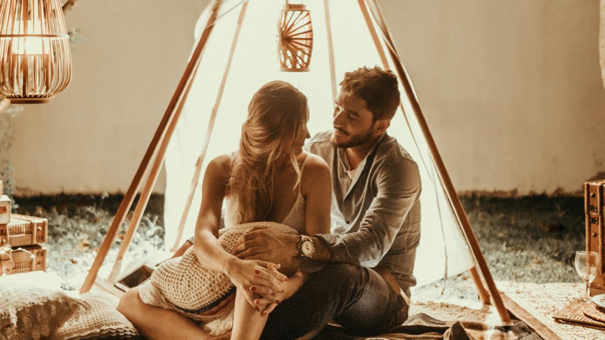 Πόσο έχει αλλάξει ο τρόπος που επιλέγουμε σύντροφο; Η απάντηση θα σας εκπλήξει
