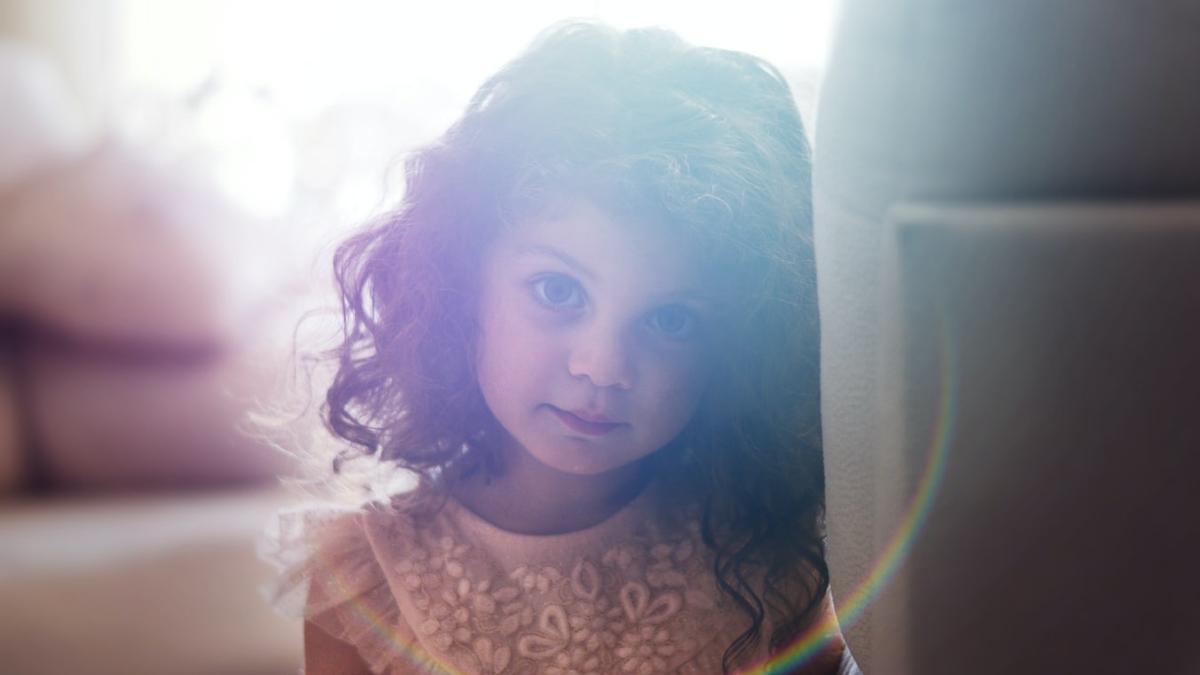 «Μαμά, πώς γεννιούνται τα παιδιά;» Ποιος είναι ο ρόλος μας στη σεξουαλική αγωγή των παιδιών