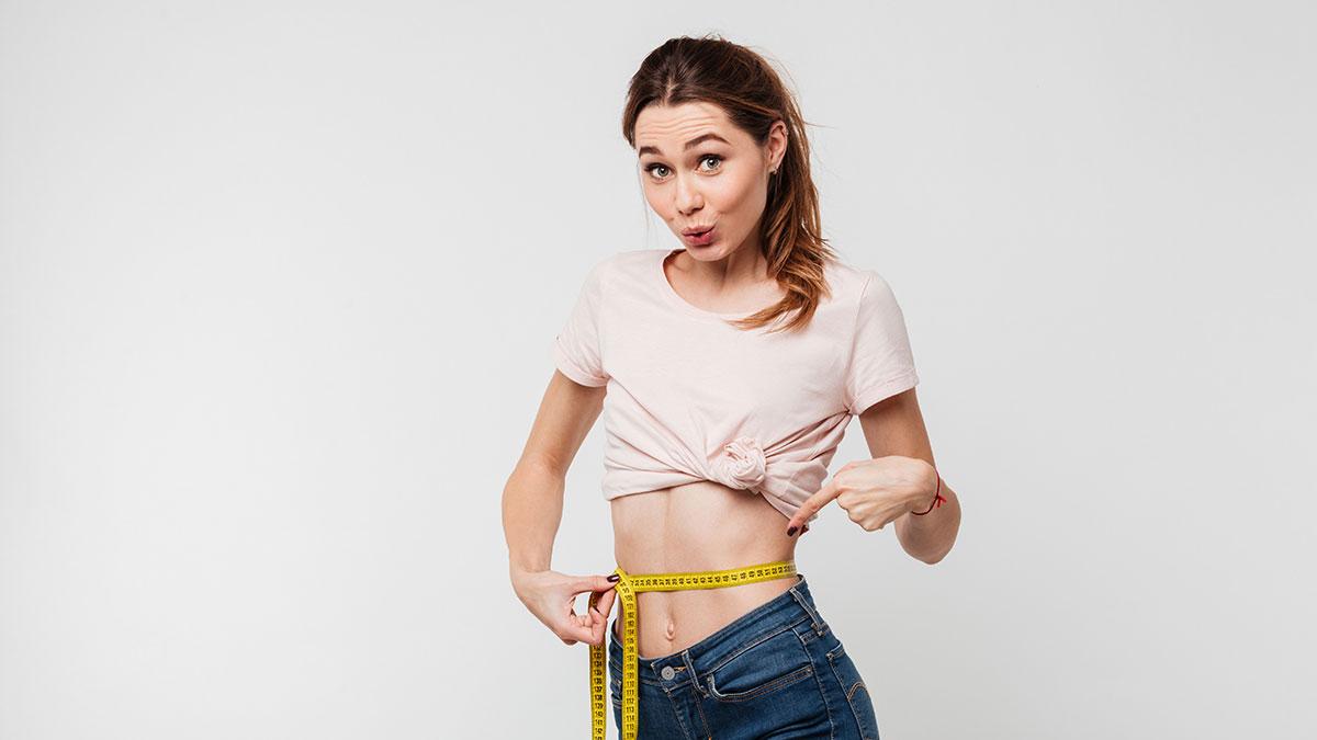 Σας «ενοχλεί» η κοιλιά σας; Έξι κινήσεις που κάνουν το λίπος παρελθόν