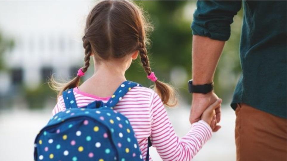 Κορωνοϊός και παιδιά: Πώς δρα ο ιός σε παιδικούς οργανισμούς