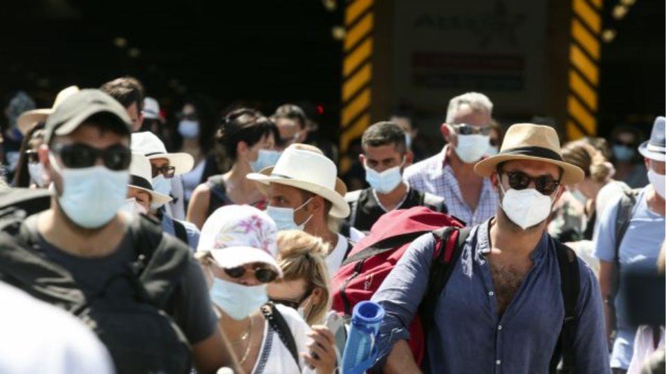 Κορωνοϊός: Οι μύθοι και τα ψέματα γύρω από τη (μη) χρήση μάσκας – Οι ειδικοί απαντούν