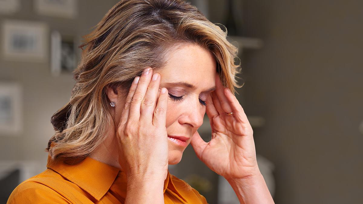 Η φωτοθεραπεία που μειώνει την ένταση και τη συχνότητα της ημικρανίας