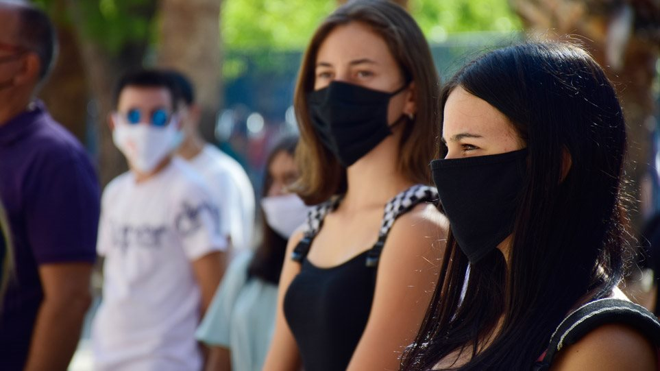 Κορωνοϊός – Μάσκες: Πότε οι υφασμάτινες είναι εξίσου αποτελεσματικές με τις ιατρικές