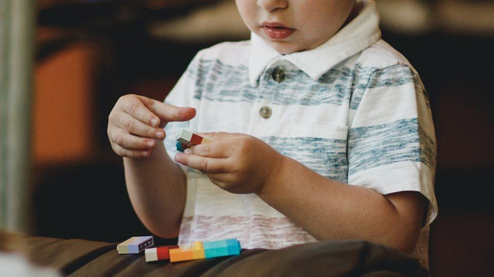 Αυτισμός: Τα αγόρια εμφανίζουν τη διαταραχή συχνότερα από τα κορίτσια