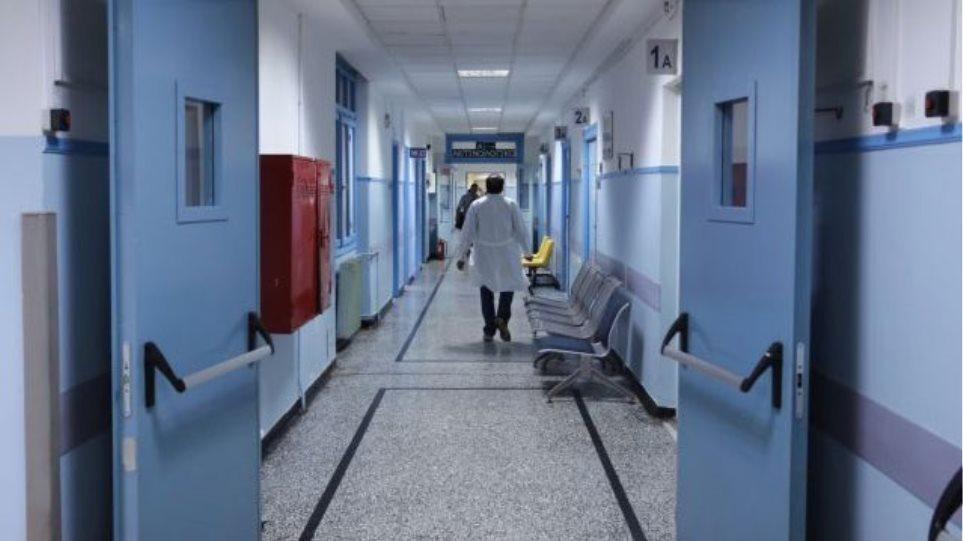 Καμπανάκι από ΠΟΕΔΗΝ : Γεμίζουν με περιστατικά κορωνoϊού τα νοσοκομεία αναφοράς