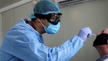 Κορωνοϊός: Πώς θα ξεχωρίσεις αν έχεις Covid-19, κρυολόγημα ή γρίπη