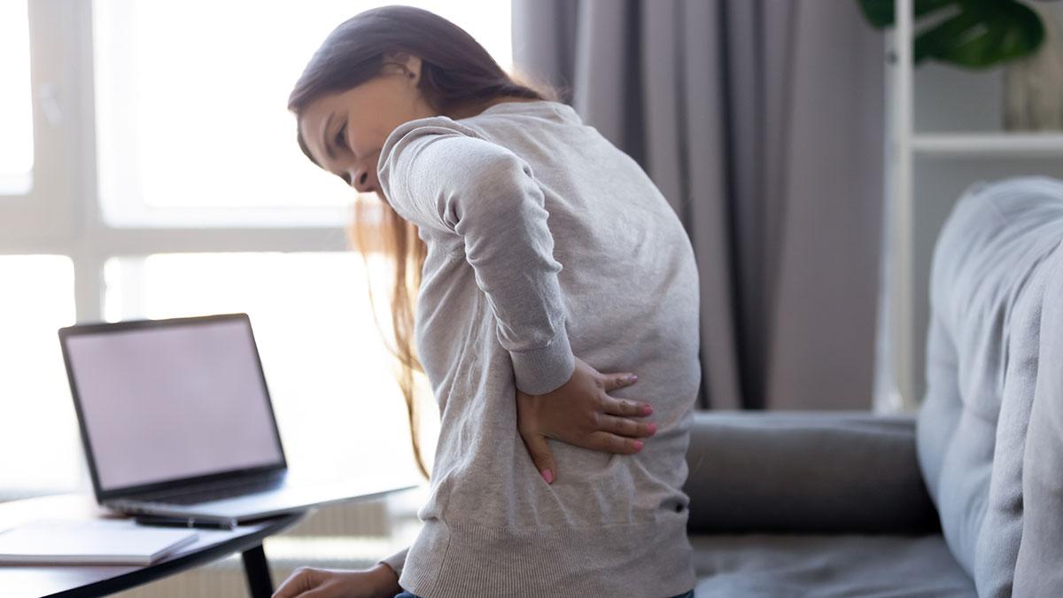Πόνος στη μέση: Οι λύσεις που ανακουφίζουν χωρίς φάρμακα
