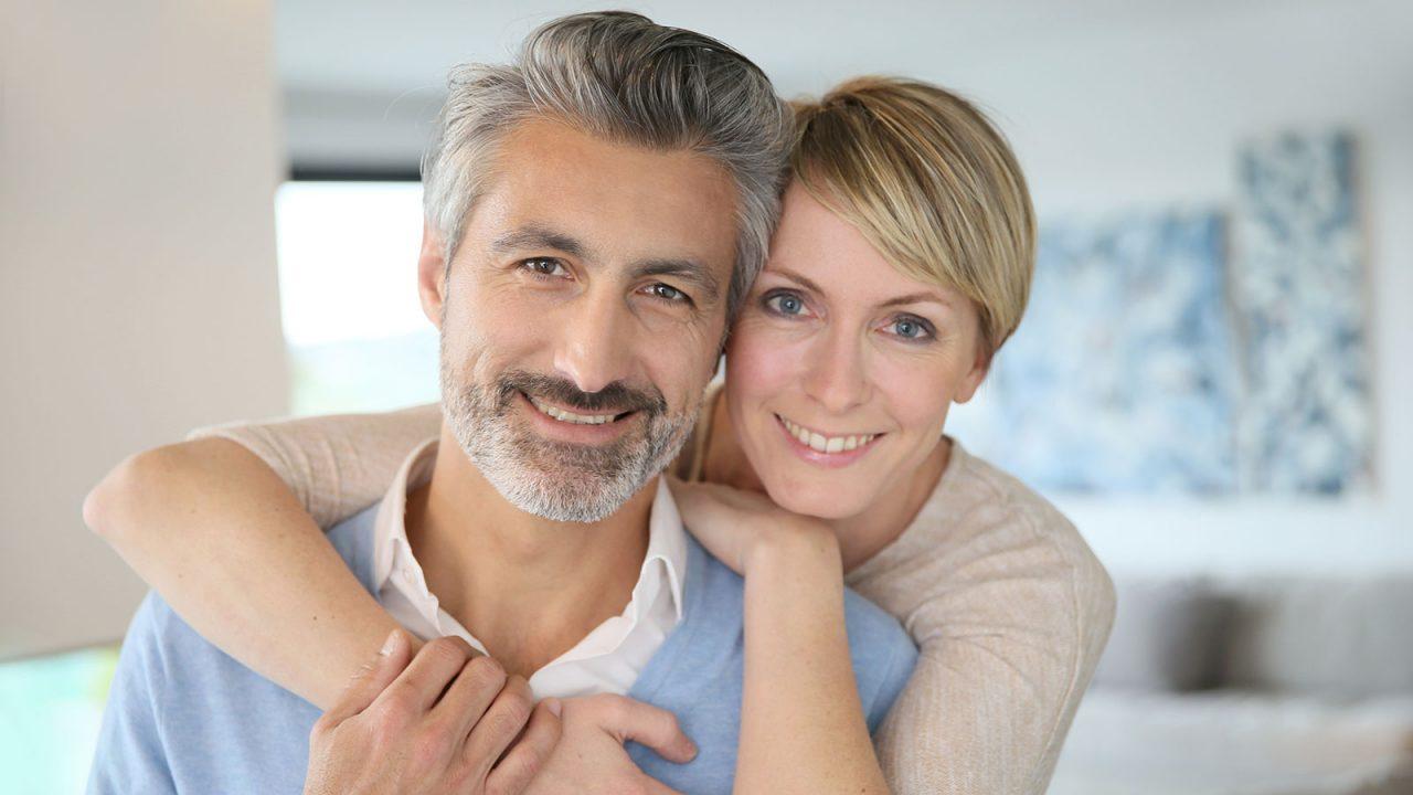 Δείτε πώς θα καθυστερήσετε τη γήρανση και στα 45 θα φαίνεστε πολύ νεότεροι