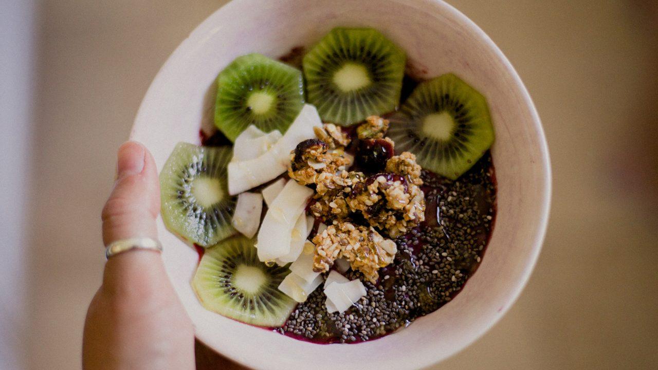 Δυο φρούτα την ημέρα επί δύο εβδομάδες χαρίζουν ευεξία – Ποια είναι τα θαυματουργά φρούτα